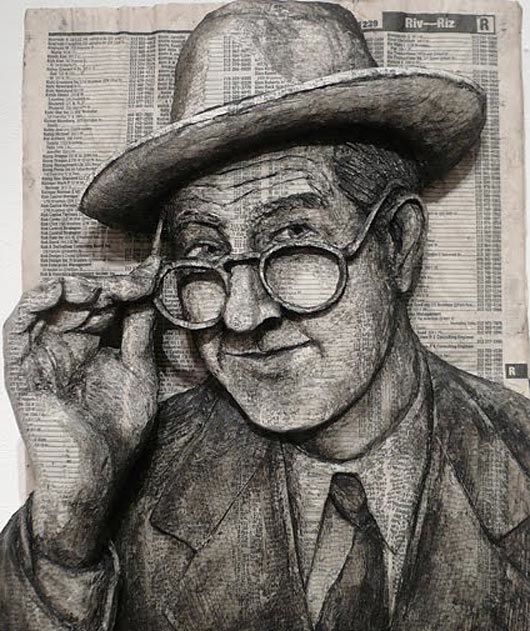 Alex-Queral-Phone-Book-Glasses_580-0