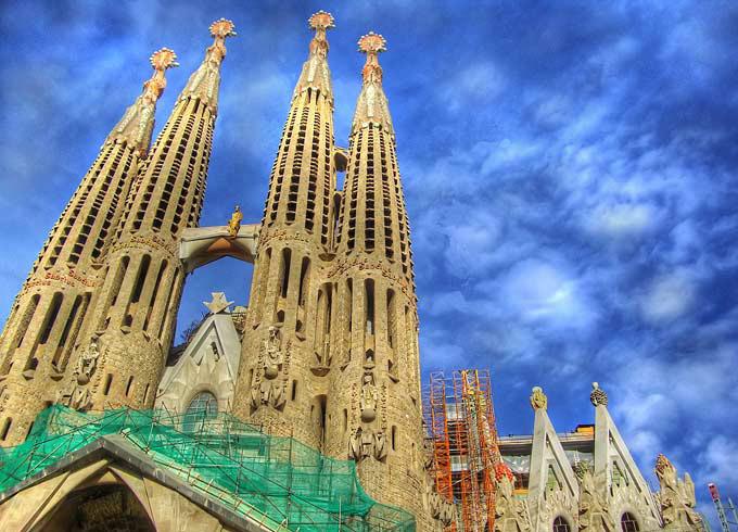 Sagrada-Familia-Barcelona-1