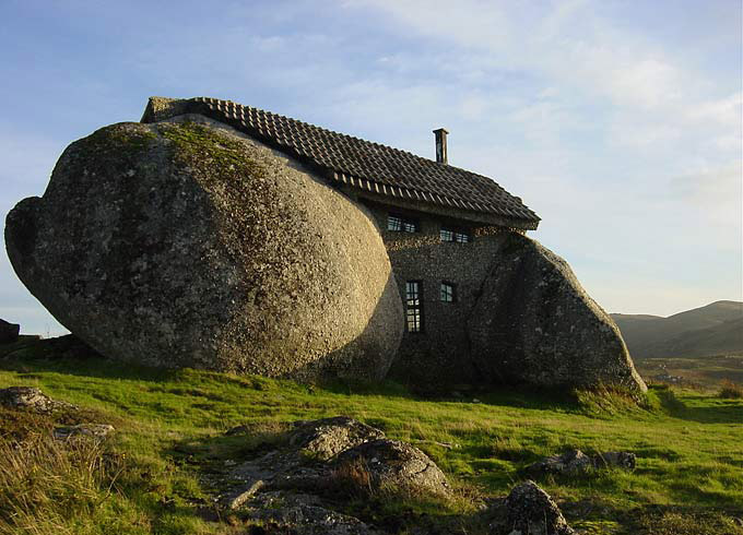 Stone-House-Portugal-1