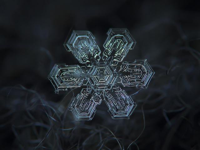 macro-snowflakes-13