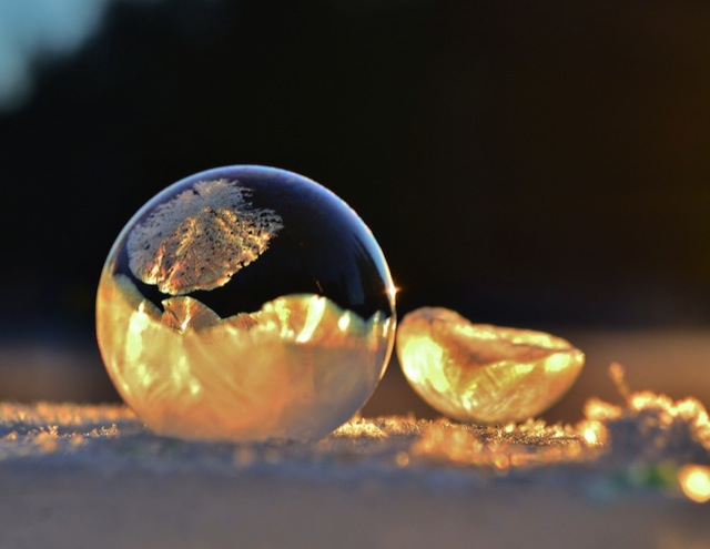 frozen-soap-bubbles-1
