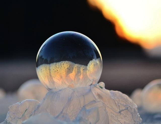 frozen-soap-bubbles-2