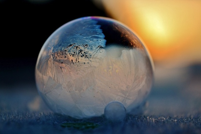 frozen-soap-bubbles-3