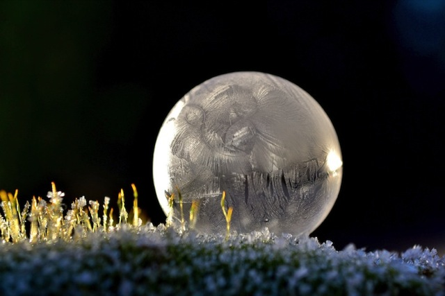 frozen-soap-bubbles-4