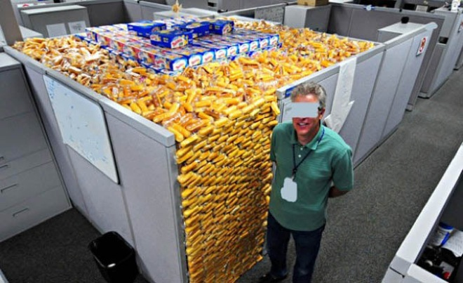 These Are The 23 Meanest Office Pranks EVER Last One