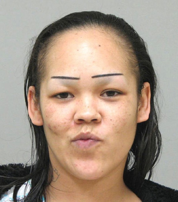 These 28 hilarious eyebrow fails will make you cringe. The #8 is the ...