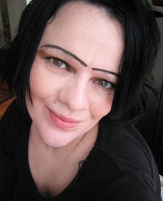 Hilarious Eyebrow Fails That Will Make You Cringe Page Of - 28 hilarious eyebrow fails