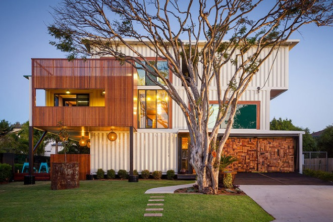 house-made-of-containers-1