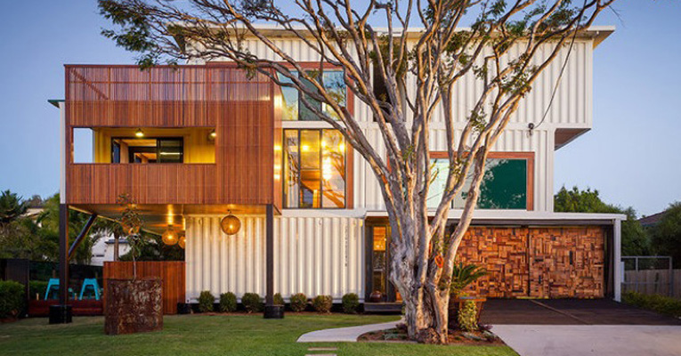 house-made-of-containers-ft