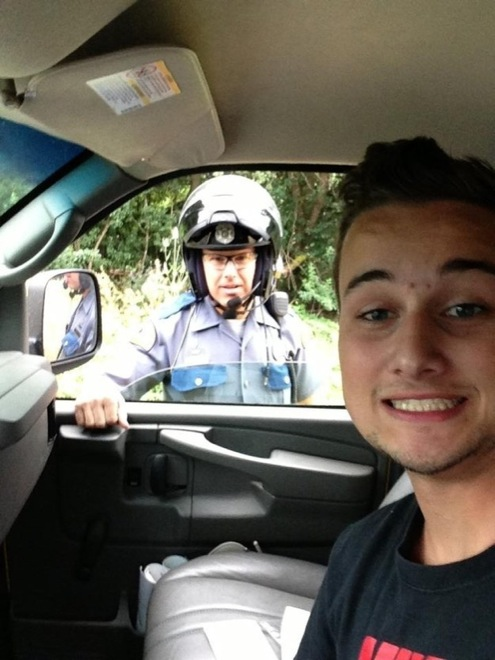 The Most Perfectly Timed Selfies Ever The Fifth One Had Me In - The 19 most perfectly timed selfies ever