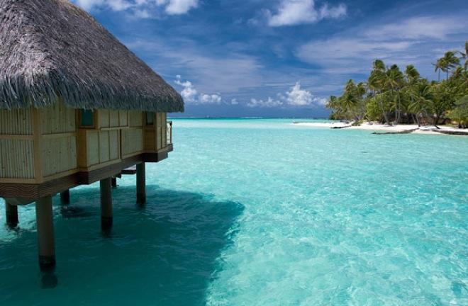 Las vistas desde el overwater bungalow en Bora Bora, Polinesia Francesa / Views from overwater bungalow in Bora Bora, French Polynesia