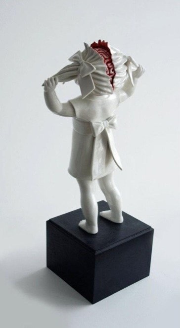 amazingly-creepy-porcelain-figurines-by-maria-rubinke-2