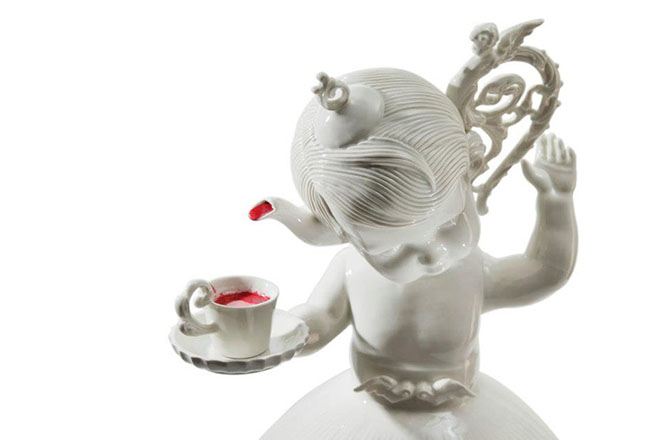 amazingly-creepy-porcelain-figurines-by-maria-rubinke-4