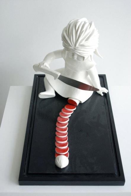amazingly-creepy-porcelain-figurines-by-maria-rubinke-7
