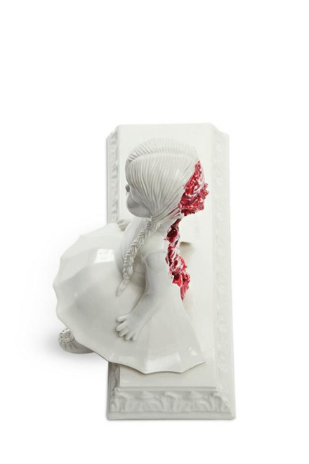 amazingly-creepy-porcelain-figurines-by-maria-rubinke-8