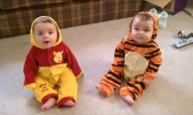 Funniest Costumes Twin Kids Can Wear Halloween