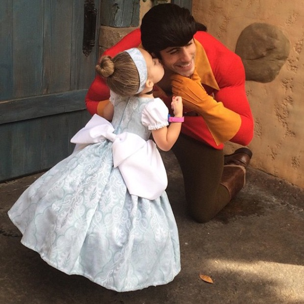 mom-creates-disney-costumes-for-daughter-12