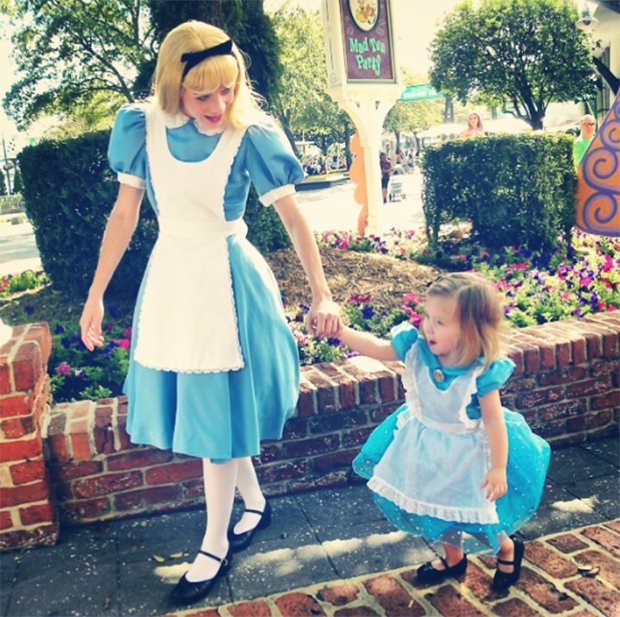 mom-creates-disney-costumes-for-daughter-15