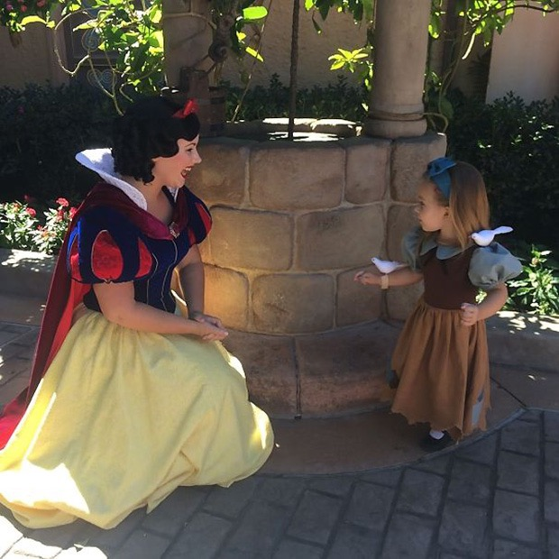 mom-creates-disney-costumes-for-daughter-2