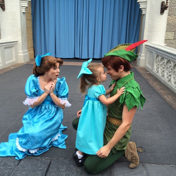 mom-creates-disney-costumes-for-daughter-3