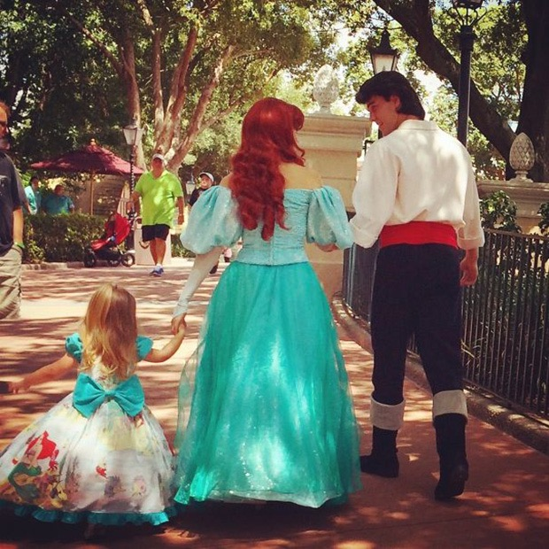 mom-creates-disney-costumes-for-daughter-4