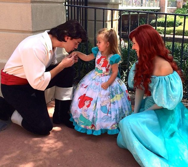 mom-creates-disney-costumes-for-daughter-5