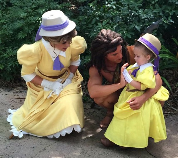 mom-creates-disney-costumes-for-daughter-6