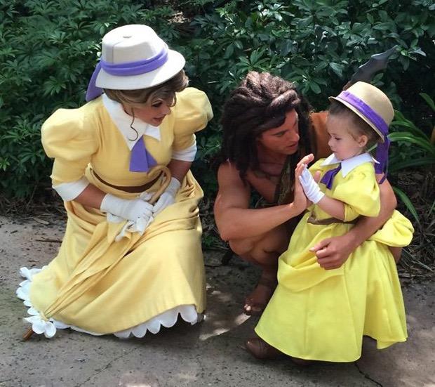 mom-creates-disney-costumes-for-daughter-6