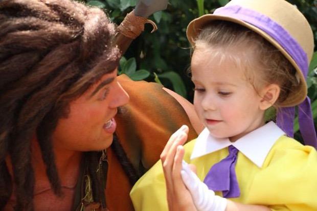mom-creates-disney-costumes-for-daughter-7