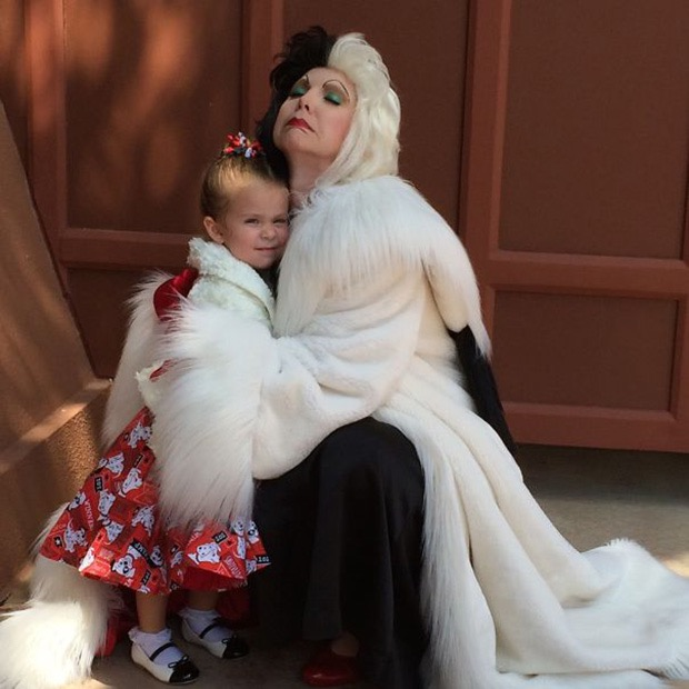 mom-creates-disney-costumes-for-daughter-8