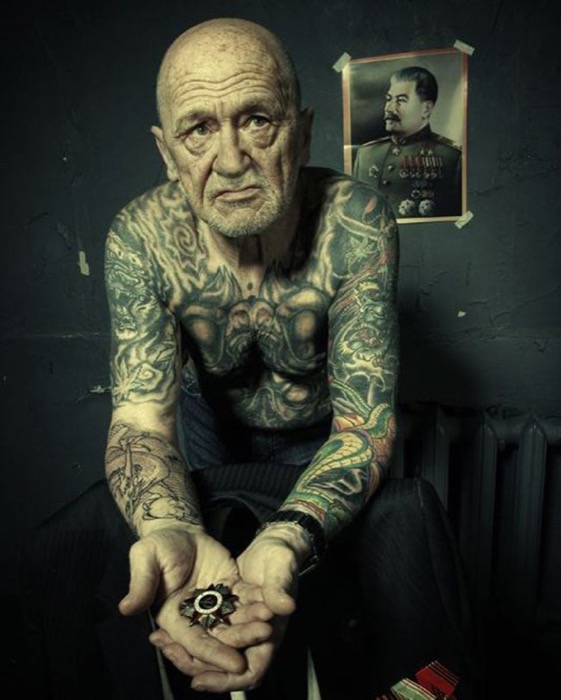 14-seniors-finally-reveal-what-tattoos-look-like-when-youre-older-6