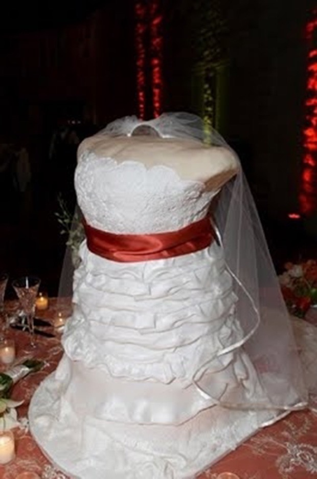 funny bad wedding cakes the 18 worst wedding cake fails made are out 14537