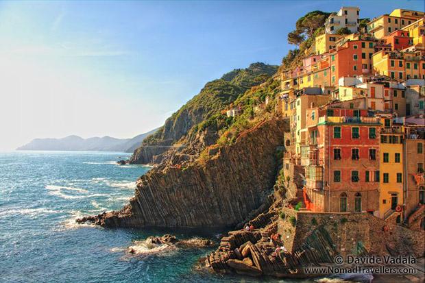 17-Italy-Cinque-Terre-riomaggiore