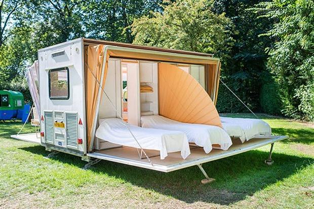 beautiful-camper-looks-normal-4