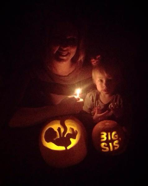 12 Brilliant Halloween Pregnancy Announcements That Will Put A Smile On Your Face