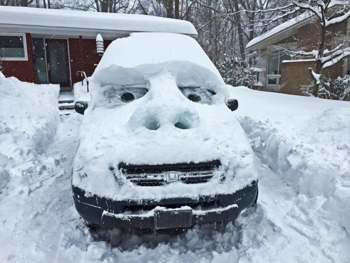 Creative People Making The Best Out Of This Winter Situation - 15 hilariously creative snowmen that will take winter to the next level 7 made my day