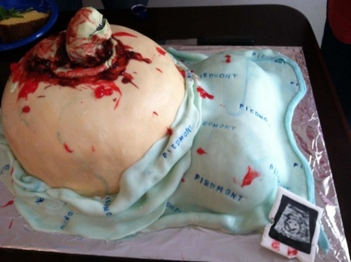 26 Baby Shower Cake Fails That Will Make You Question About Procreating. #10 Is Just Terrifying.