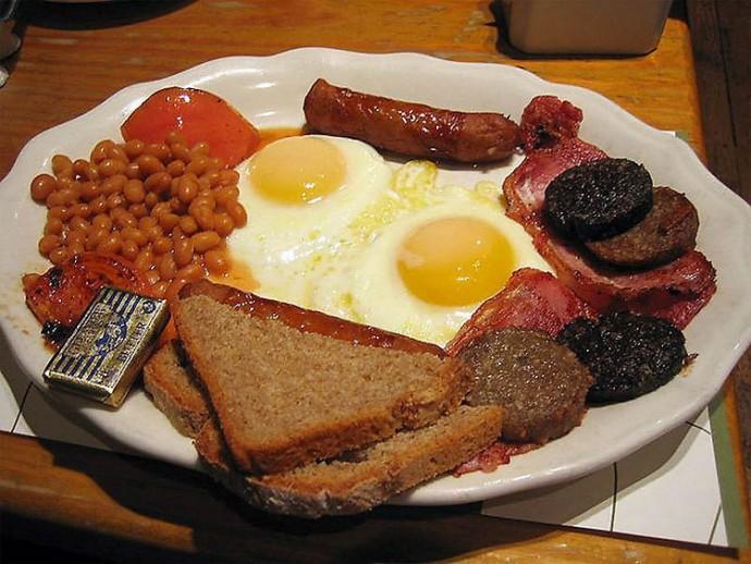 England: Sausages, Bacon, Eggs