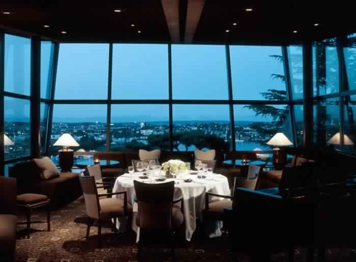 32 of the most beautiful restaurants with a view of the for Canlic com