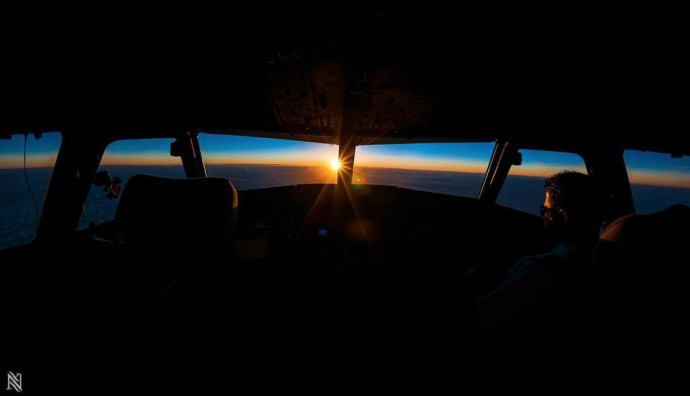 20 Cockpit Photos Taken By An Airline Captain That Will Completely Blow Your Mind
