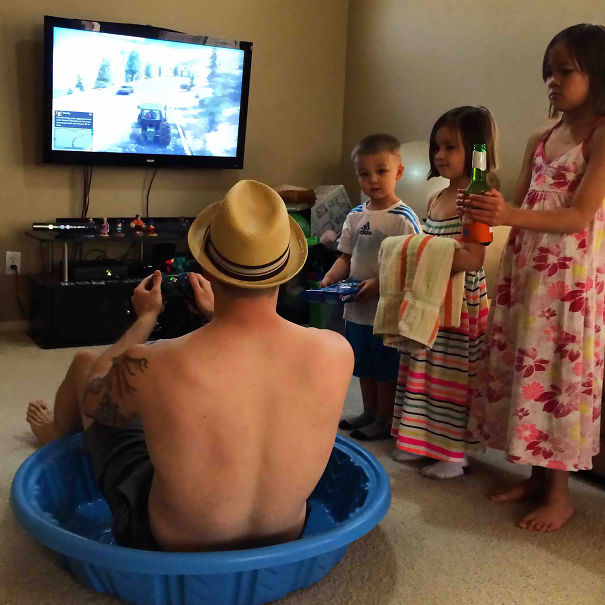 21 Funny Dads Who Are Definitely Nailing This Whole Parenting Thing. #8 Is Just Brilliant!