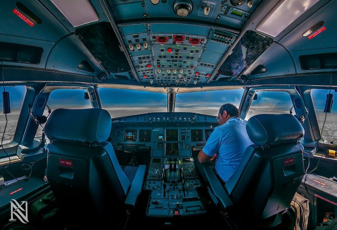 23 Cockpit Photos Taken By An Airline Captain That Will Completely Blow Your Mind