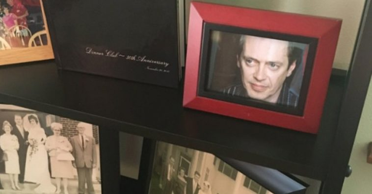 guy-replaces-family-photos-steve-buscemi