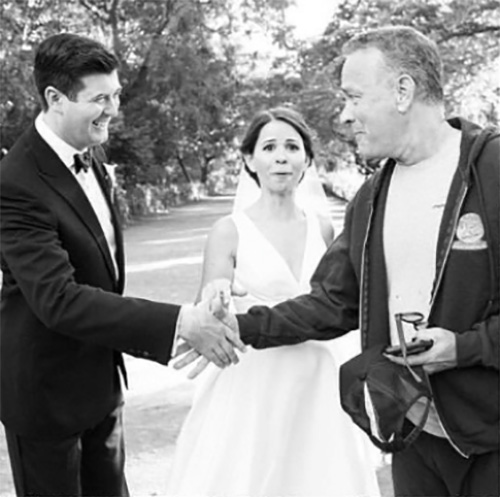 Tom Hanks Accidentally Crashed This Couple's Wedding Photoshoot And It's Just Perfect
