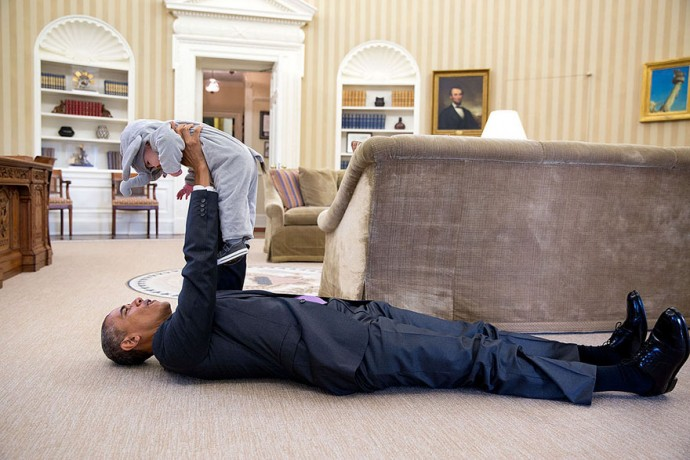 White House's Official Photographer Pete Souza Reveals His Favourite Photos Of Obama