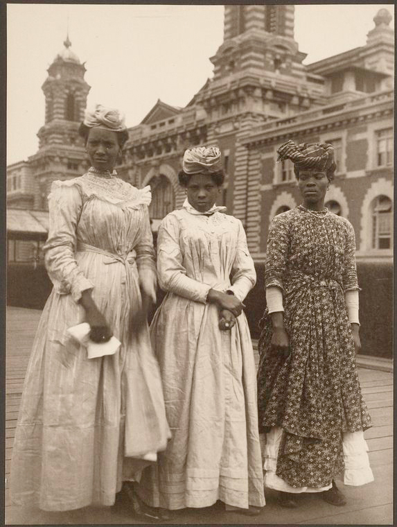 Ellis Island Immigrant Photos From Years Ago That Remind Us - 31 ellis island immigrant photos 100 years ago perfectly depict american diversity